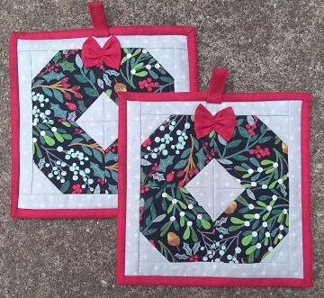Wreath Block Hot Pads by Ms P Designs USA
